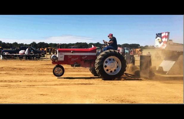 Fans Enjoy Carbon Tractor Pull
